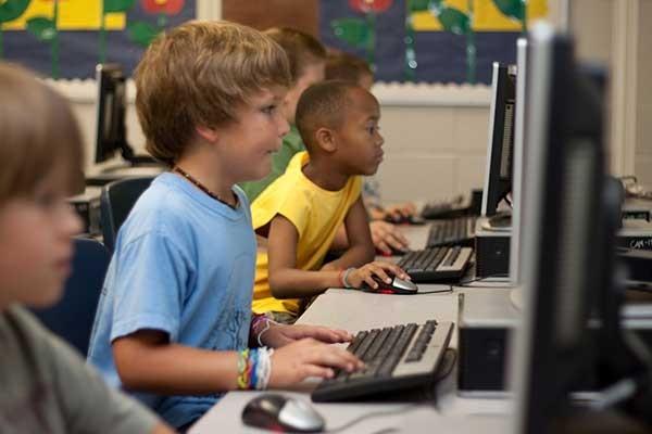 sprachentwicklung-kindern-sprechen-lernen